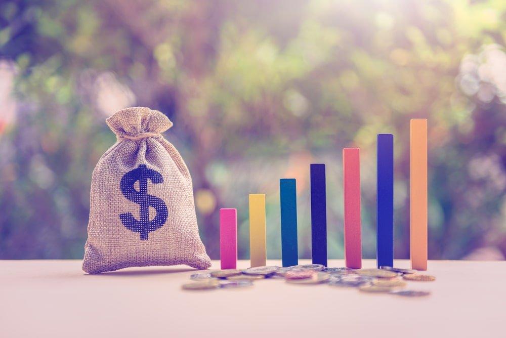 お金と棒グラフ