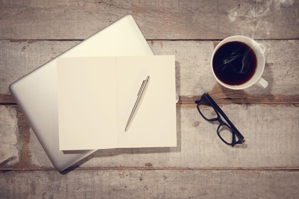デジタルな時代でもお手紙営業を続けるには理由がある